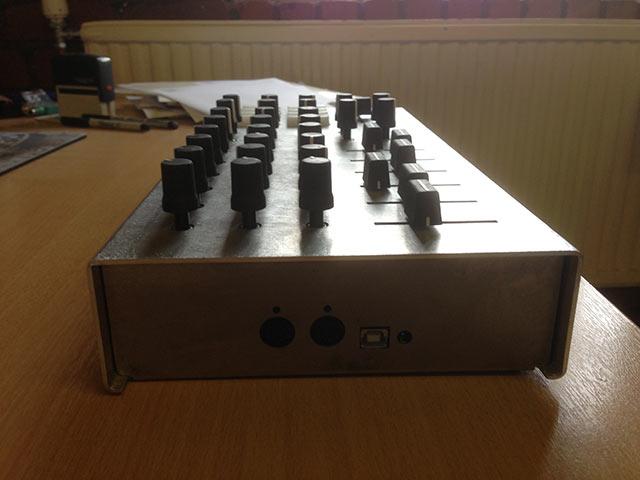 Early prototype - Aluminium Case - Side View