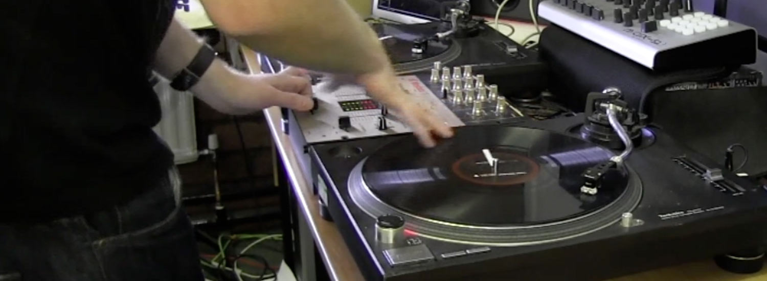Demo: Andy H Serato On The 1's and 2's